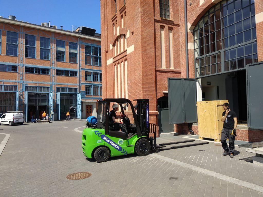 Podstawowe zasady jazdy wózkiem widłowym - Get ATruck