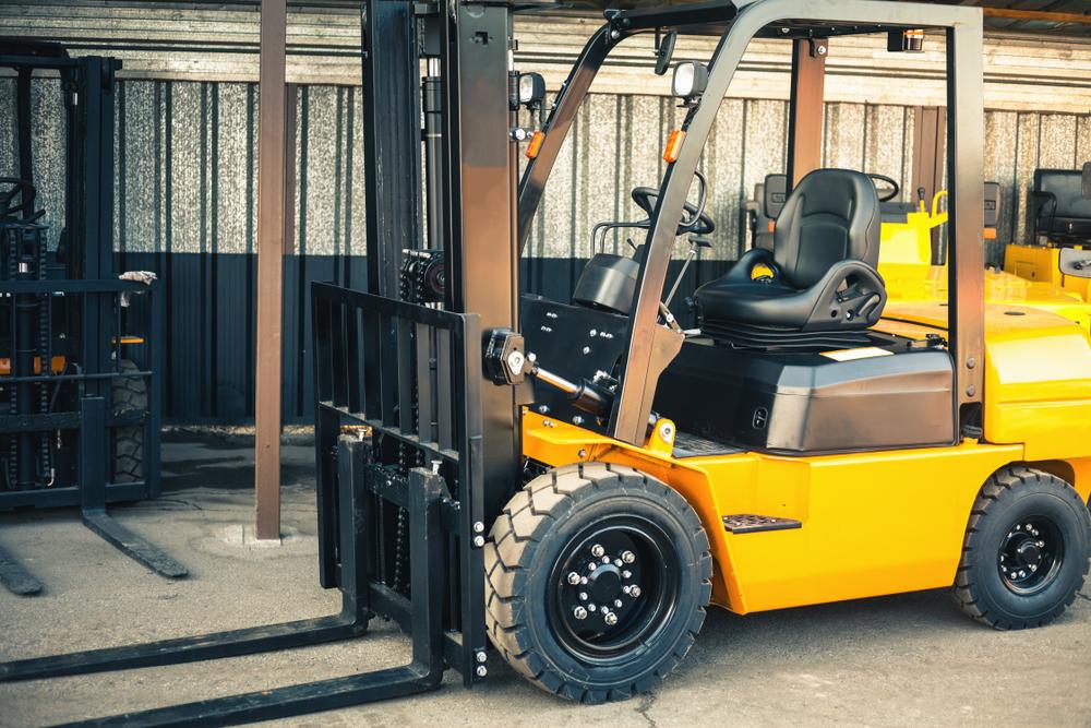 Jak dobrać wózek widłowy do magazynu? Get-a-truck.pl
