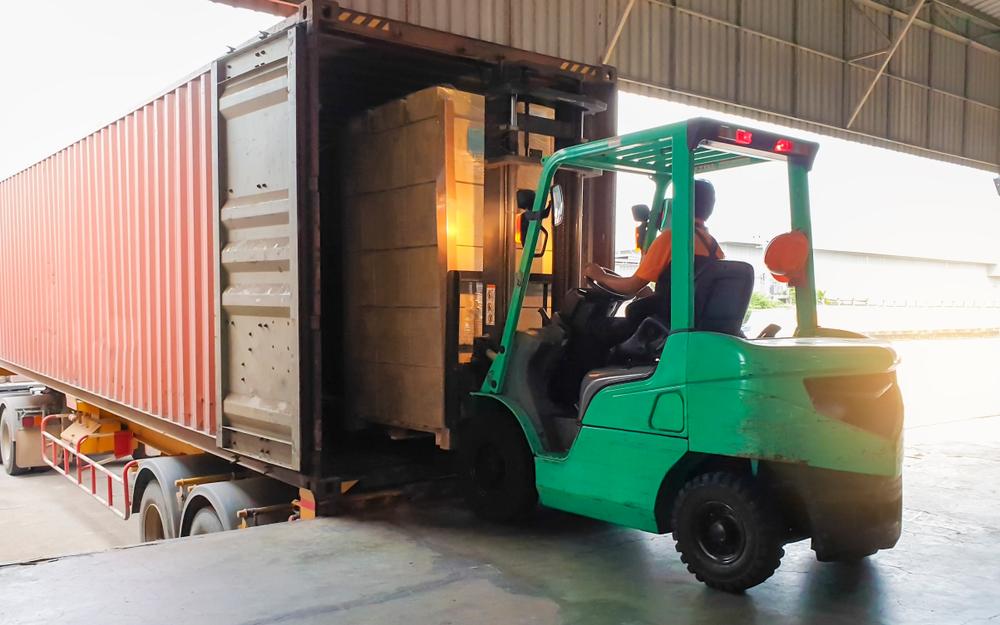 Prawidłowy transport wózków widłowyc - get-a-truck.pl