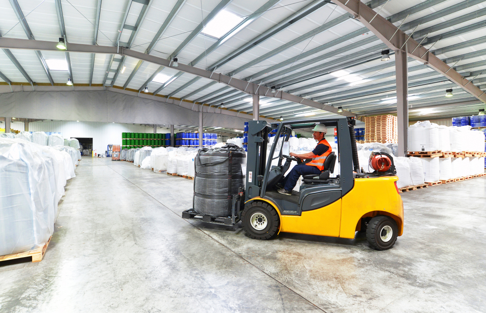 Organizacja transportu wewnętrznego na magazynie i hali produkcyjnej