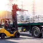 Logistyka wbranży spożywczej – kiedy przydają się wózki widłowe?