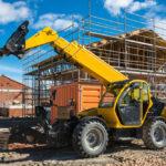 Wózek widłowy dla budownictwa – czym się kierować przy wyborze?